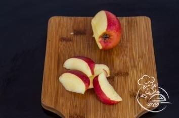 Cалат с яблоками