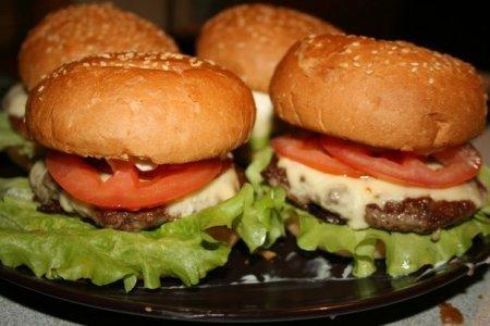 Домашние чизбургеры