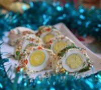 Новогодний рулет с креветками и желе