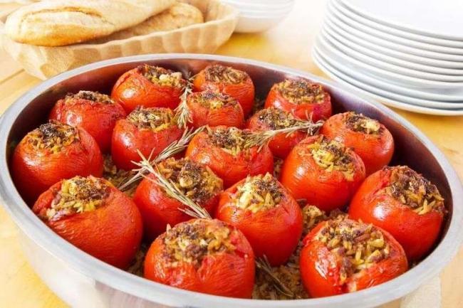 Заготовки из помидоров и репчатого лука
