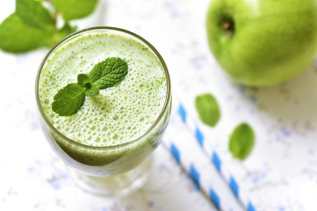 Коктейль из зеленого яблока и льняного семени
