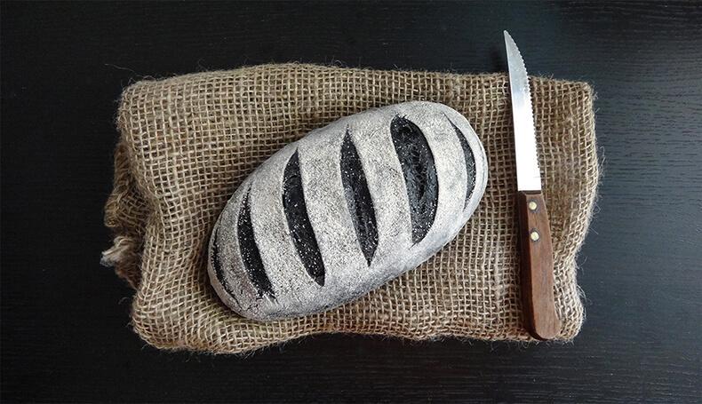Угольный хлеб: Невероятно красивый и вкусный!