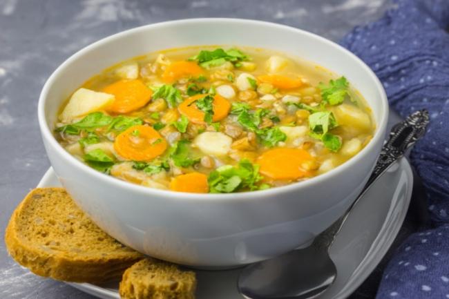 Вегетарианский суп с рисом и карри