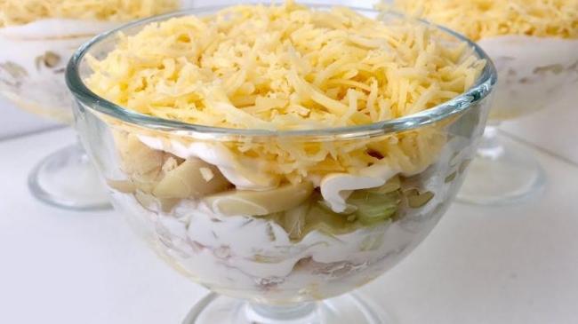 Салат «Объедение с маринованными грибочками»