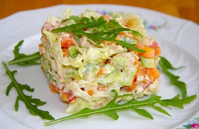 Диетический крабовый салат - «Второе блюдо»