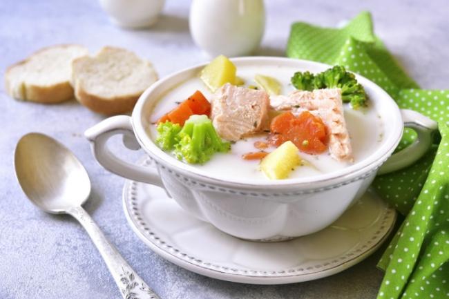 Рыбный суп со сливками и овощами