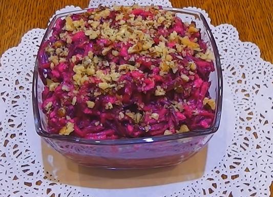Свекольно-грушевый салат с сыром (ВИДЕО)