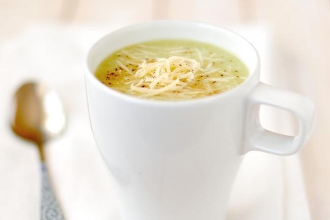 Картофельный крем-суп с брокколи и сыром