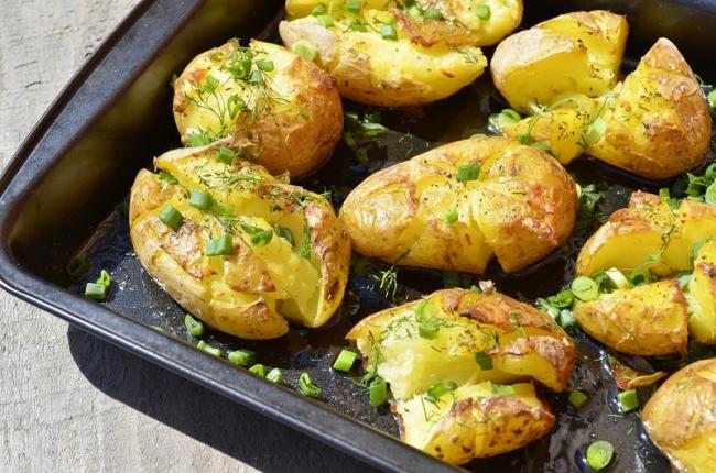 Мятая картошка в духовке — шедевр португальской кухни!