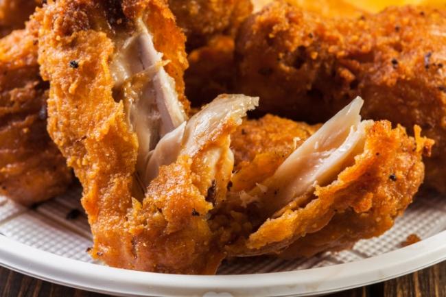 Запеченные куриные крылья в панировке