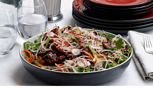 Хрустящий салат с уткой