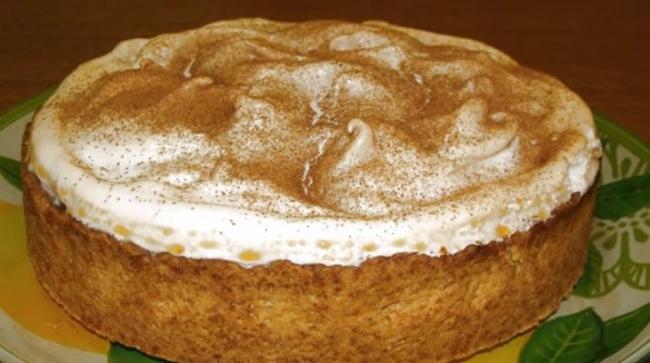 Изумительный пирог «Яблоки в сугробе»