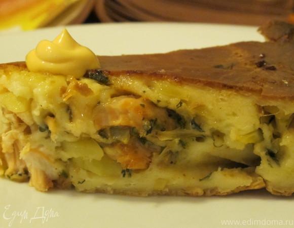 Домашний пирог с семгой, картофелем и зеленью