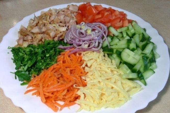 Салат «Козел в огороде» с краснокочанной капустой и говядиной