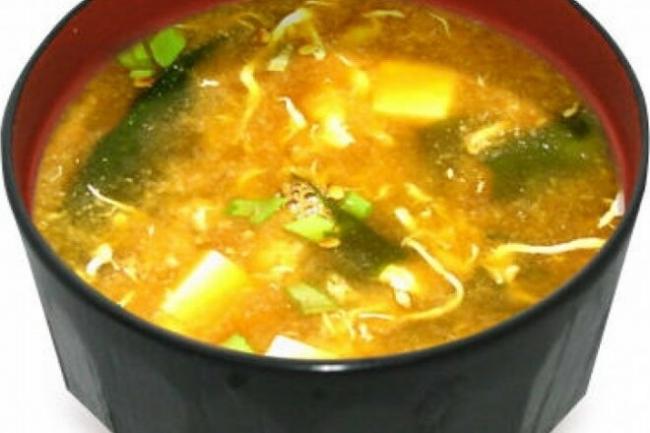 Мисо-суп с окунем на гриле