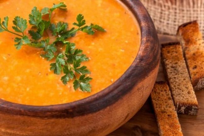 Морковный суп с корицей и тимьяном
