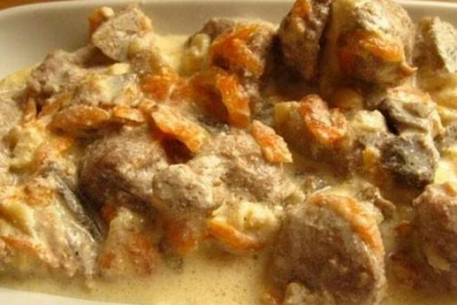 Азу из индейки со сметаной и соевым соусом