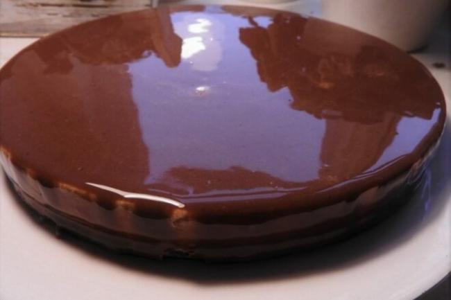 Муссовый торт с шоколадными слоями