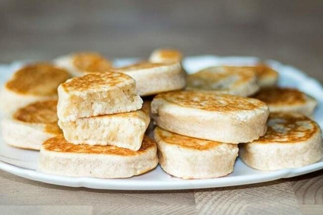 Творожное печенье с корицей на сковороде