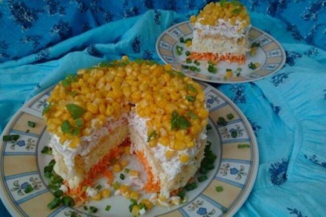 Салат «Кудрявый» с морковью и крабовыми палочками
