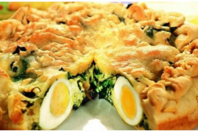 Пирог со щавелем и яйцами без духовки