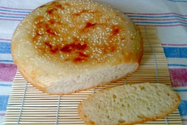 Дрожжевой хлеб с зеленью на кефире