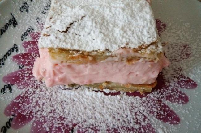 Сливочное пирожное с пудингом