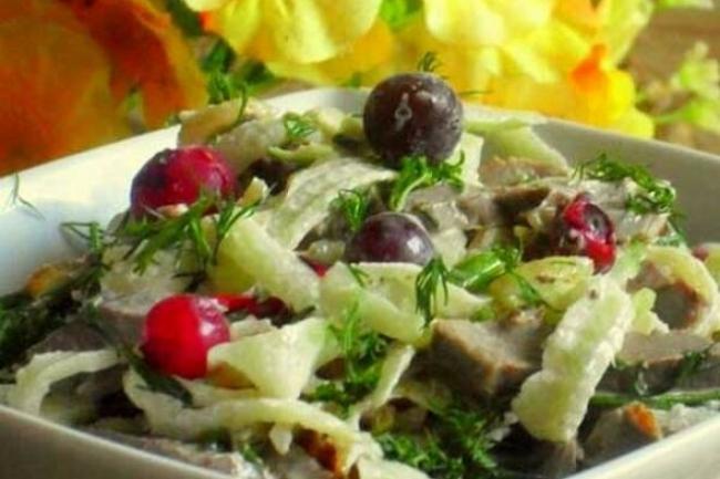 Салат с говяжьем сердцем и редькой