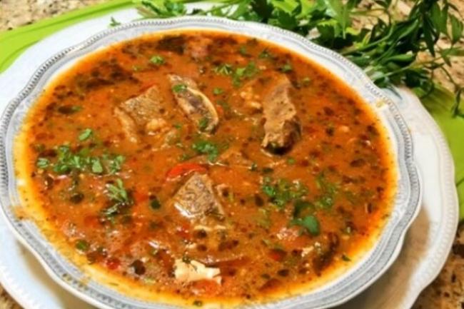 Классический суп харчо из говядины по-домашнему