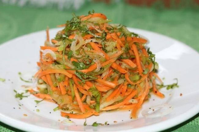 Салат из редьки с овощами по-корейски