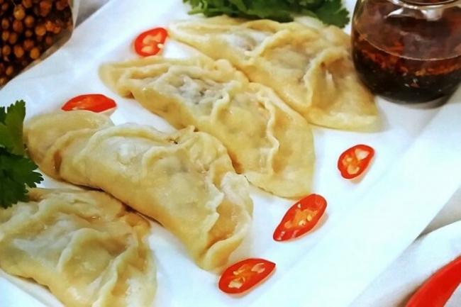 Китайские пельмени цзяоцзы с зеленым луком