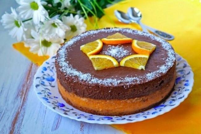Бисквитный шоколадно-абрикосовый торт