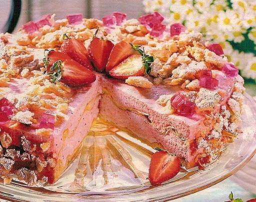 Клубничный торт Кампари